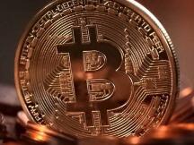 从42000到31000美元,比特币三天内暴跌入熊市!数字货币市值火速跌破万亿