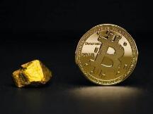 黄金创7年最大单日跌幅,比特币紧跟下跌,两种资产相关性创下新高度