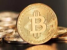 一年涨幅超900%,一个比特币卖到24万,矿工挖矿多久能回本?