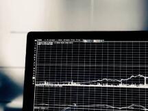 加密货币概念股最新状况:美中概股跌4成,Coinbase跌破发行价,美图特斯拉投资亏损