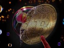 比特币泡沫爆裂突现崩盘 专家:其不具备货币本质