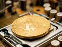 嘉楠科技发布一季度财报:收入4亿元 海外收入占比近8成