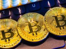 别神话比特币,它取代不了美元