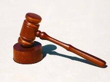 """赵东案开庭在即 为何被指控""""非法经营""""与帮信罪"""