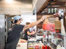 加拿大餐厅向中小企业发出比特币信息