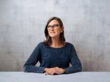 """""""女股神""""Cathie Wood加入欧洲加密平台Amun董事会,旗下ARK Innovation ETF跌至年度新低"""