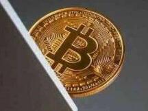 加密货币延续动荡行情,比特币短线跳水1100美元